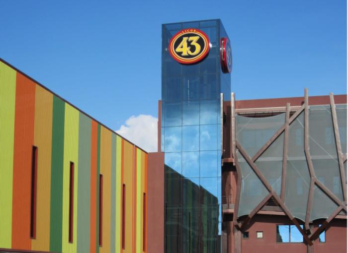 Imagen de la nueva planta industrial de Licor 43